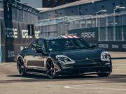 Porsche оголосила дату прем'єри свого першого електрокара