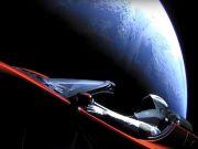 Красная Tesla Илона Маска совершила первый оборот вокруг Солнца