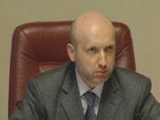 Турчинов буде забирати у чиновників подарунки