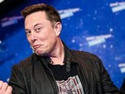Илон Маск полетит в космос на корабле Virgin Galactic