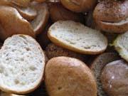 Ціна на хліб буде рости відповідно до курсу долара - експерт