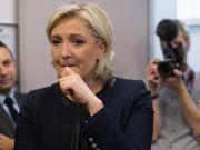 Французькі банки не хочуть кредитувати виборчу кампанію Ле Пен