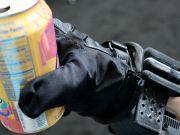 Стартап винайшов рукавиці, що наділяють суперсилою