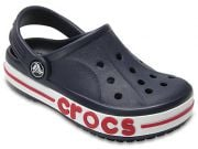 Компания Crocs закрывает все свои фабрики